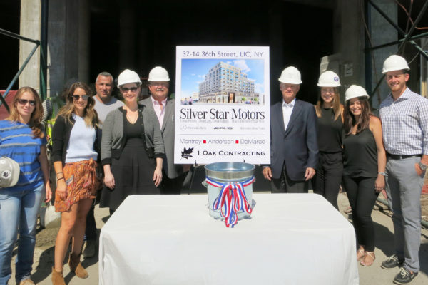 MADGI Silver Star topping-out group 01 med