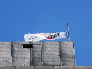 img_9058-41-21-28th-street-2016-11-topped-out-flag-small-wmark